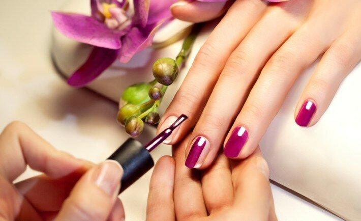 Девки с красивыми ногтями